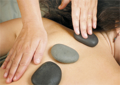 Hot-Stone Massage bei PhysioWelt Meissen